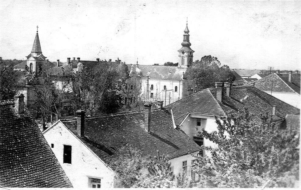 Na staroj fotografiji se nalazi centar Stare Pazove fotografisano 1951.godine.
