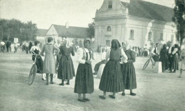 Na staroj fotografiji iz 1938.godine vidi se centar Nove Pazove.