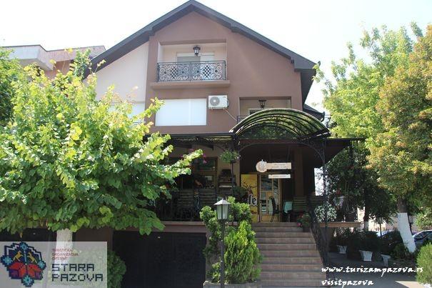 """Restoran """"Putnik""""- Stara Pazova"""