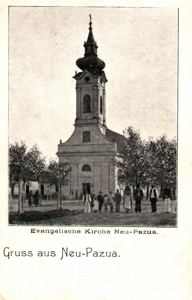 Na staroj razglednici Nove Pazove  iz prve polovine 20.veka nalazi se: evangelička crkva u Novoj Pazovi (Evangelische Kirche Neu- Pazua, Gruss aus Neu-Pazua), ljudi, drveće, kuće itd.