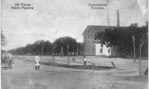 Na staroj razglednici Stare Pazove  iz prve polovine 20.veka nalazi se: Vatrenka, Damptmuhle, Alt Pazua.
