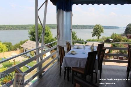 """Restoran """"Dunavska terasa"""""""
