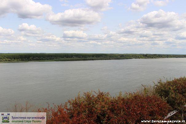 "Vinogradi ""Milanović""- pogled na Dunav"