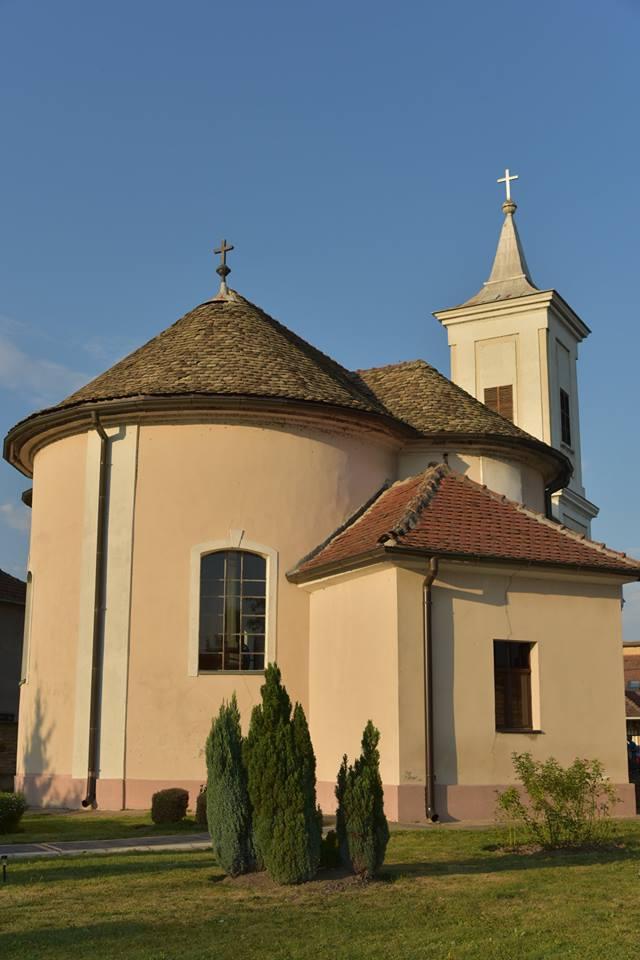 Rimokatolička crkva Rođenja Blažene Djevice Marije u Novim Banovcima