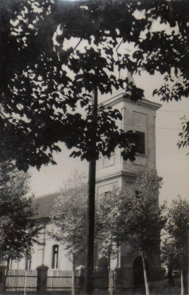 Rimokatolička crkva Rođenja Blažene Djevice Marije u Novim Banovcima, 1965.god.