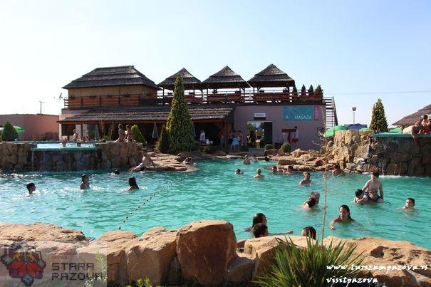 The swimming pools Horizont