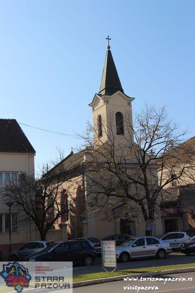 Römisch-katholische Kirche des Heiligen Trojstva – Stara Pazova