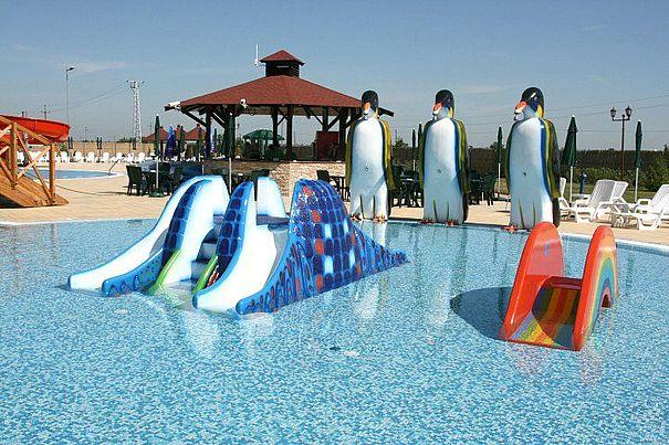 Das Schwimmbad in Pazova
