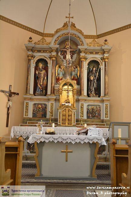 Rimskokatolícký pobočný kostol presvätej Trojice – Stará Pazova